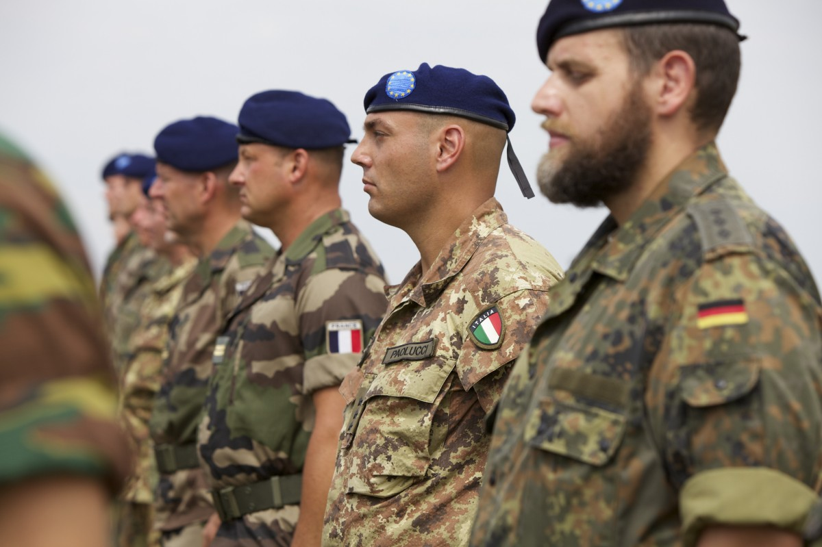 Macron and the European Intervention Initiative: Erasmus for soldiers?