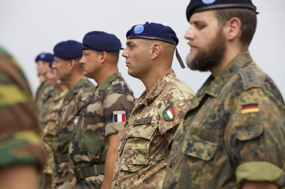 Macron y la Iniciativa Europea de Intervención: ¿Erasmus para los soldados?