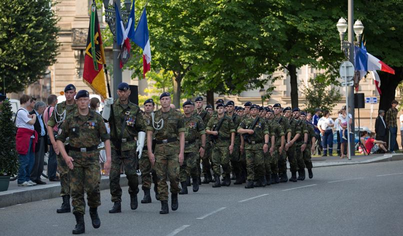 Pédanterie en mouvement : lintervention européenne franchit la