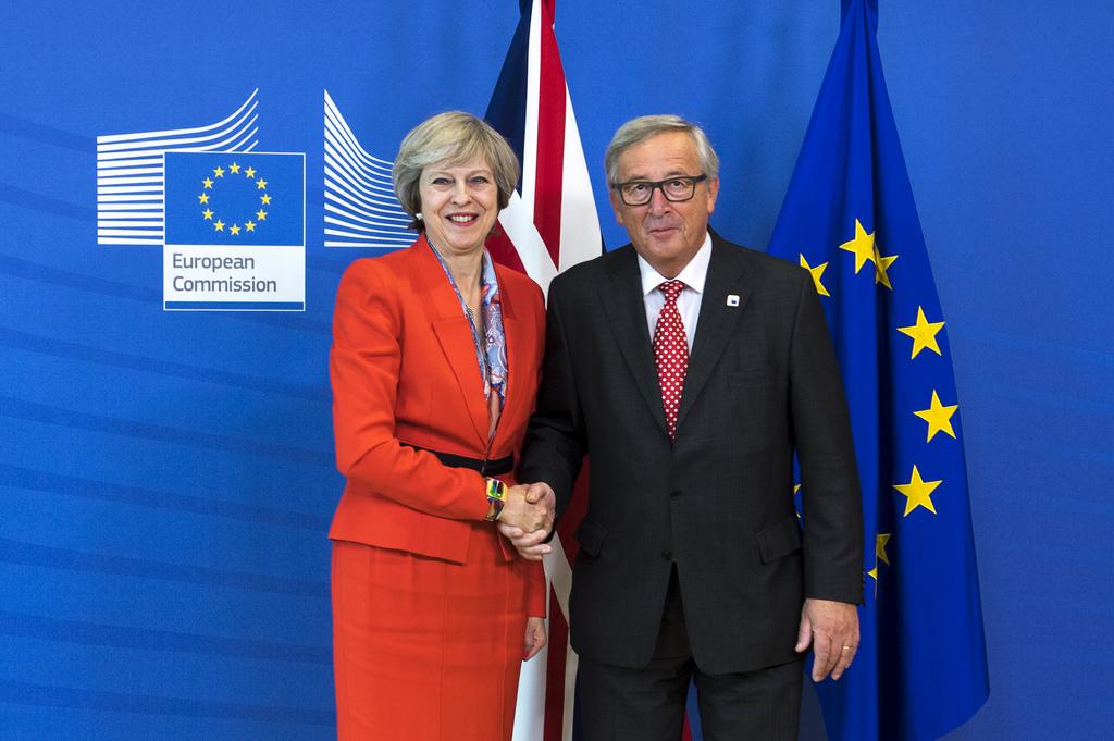 Tories sleepwalk towards soft Brexit