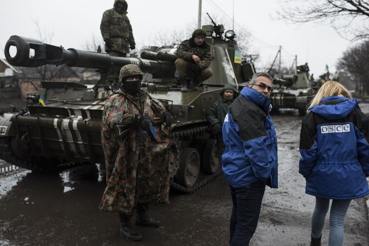 Putin's peacekeepers: Beware of Russians bearing gifts