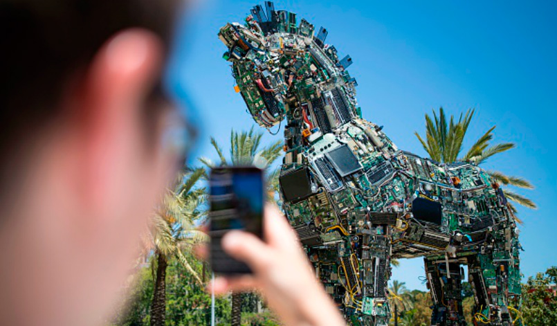 Trojan horse made of technological components