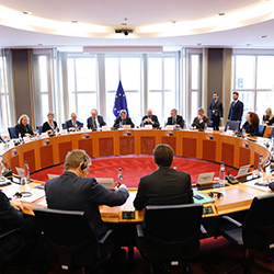 Cover: You better bring a book – the start of the EU's lengthy budget talks