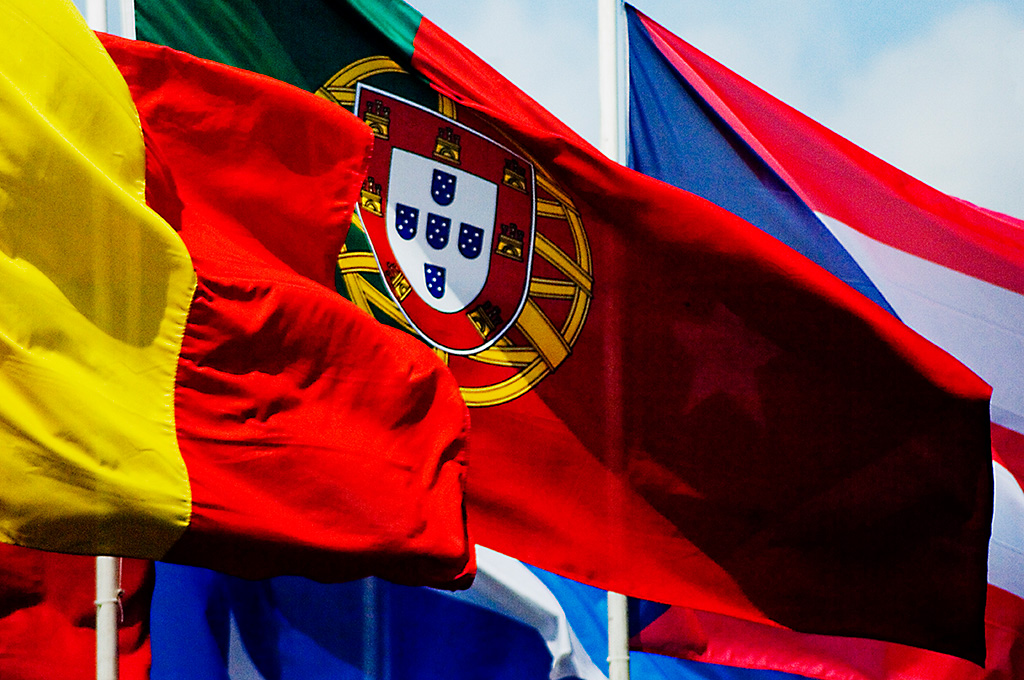 The instinctive multilateralist: Portugal and the politics of cooperation