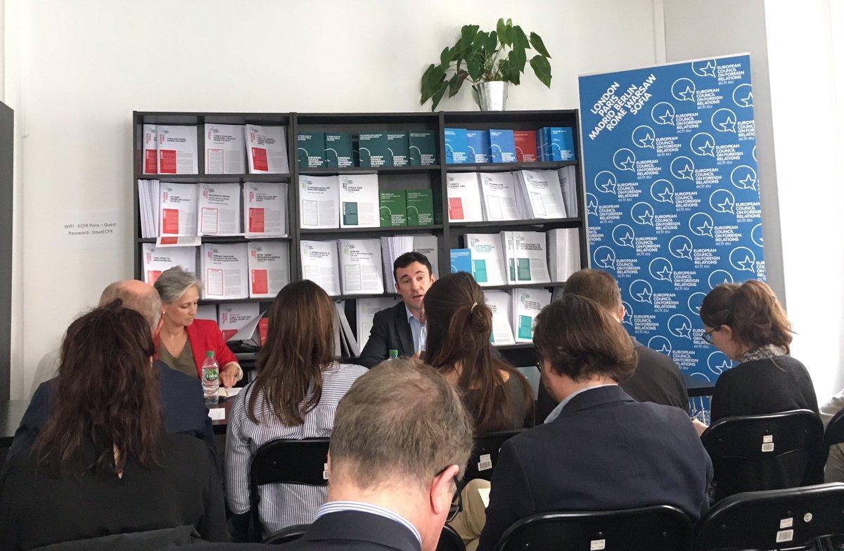 Cover: Les nouvelles routes de la Soie, une grande stratégie pour la Chine ?