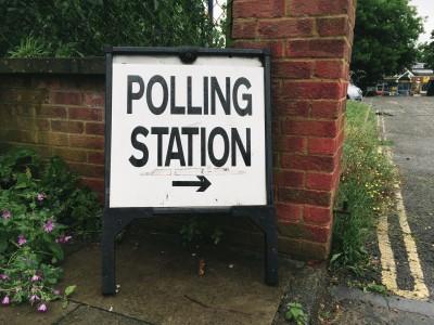 Polling station sign for the EU referendum vote - Flickr/markusunger