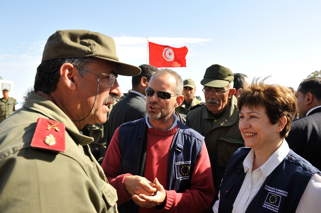 EU Commissioner for Humanitarian Aid Kristalina Georgieva visits camp in Raz Ajdir, Tunisia (EHCO, http://bit.ly/2EIYAX9)