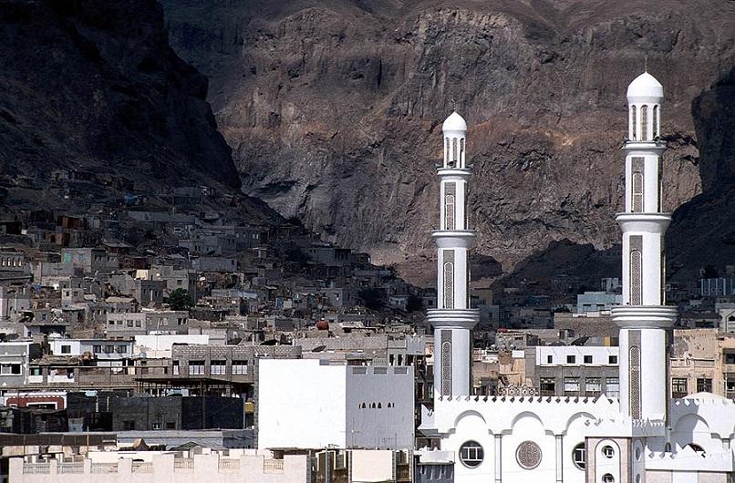 While Kuwait peace talks smoulder, Yemen burns